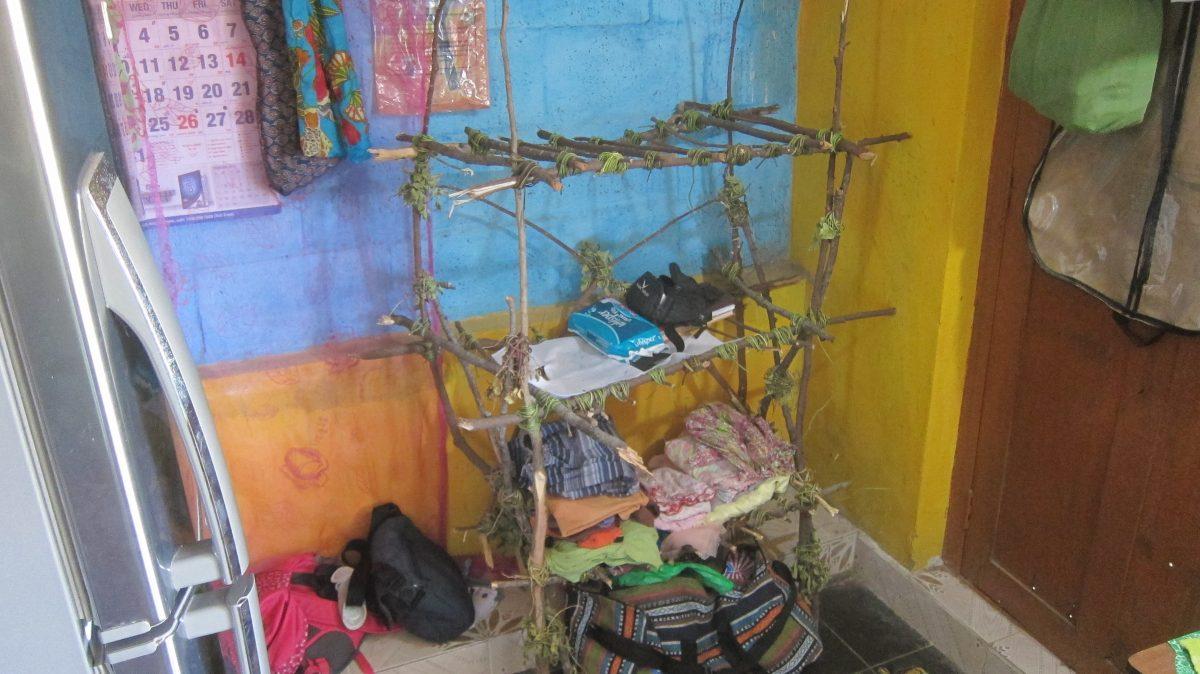 Möbel bauen ohne Werkzeug und ohne Geld